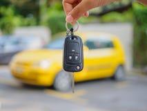 Prensas de la mano en los sistemas de alarma para coches teledirigidos Imagen de archivo