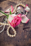Prentbriefkaar met elegante bloem Stock Foto's