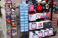 Prentbriefkaaren, t-shirts, hoeden en andere herinneringen Stock Fotografie
