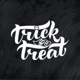 Prentbriefkaaruitdrukking voor Gelukkig Halloween Moderne en modieuze hand getrokken het van letters voorzien Citaat verschrikkin royalty-vrije illustratie