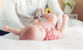 Preoccuparsi di menzogne della ragazza di neonato per Fotografia Stock Libera da Diritti