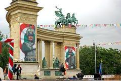 Prepárese para el galope nacional en el cuadrado 2009 de los héroes fotos de archivo
