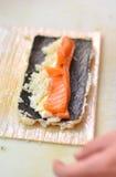 Zubereitung der Sushi Stockfotografie