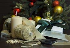 Preparándose para el día de fiesta, Año Nuevo, la Navidad, árbol de navidad, Imagen de archivo libre de regalías