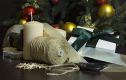 Preparándose para el día de fiesta, Año Nuevo, la Navidad, carretes del hilo Imágenes de archivo libres de regalías