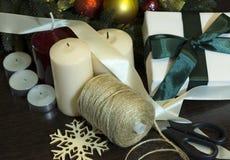 Preparándose para el día de fiesta, la Navidad, Año Nuevo, una madeja del threa Fotografía de archivo libre de regalías