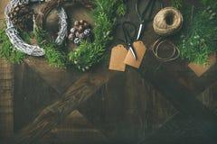 Preparándose para la Navidad, Año Nuevo Flatlay de las decoraciones del día de fiesta Foto de archivo