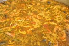 Preparação de um paella gigantesco com marisco 063 Fotos de Stock Royalty Free
