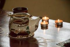 Preparação do chá verde e preto chinês - a tabela ajustou-se com um KE Foto de Stock Royalty Free