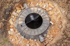 Preparação do tanque do tratamento de esgotos na terra. Fotografia de Stock