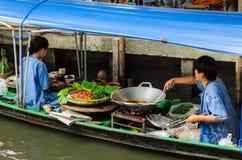 Preparação dos alimentos de flutuação do mercado Foto de Stock Royalty Free