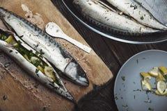 preparação dos alimentos dos peixes Fotografia de Stock Royalty Free