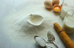 Preparação dos ingredientes para cozer Foto de Stock