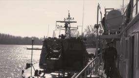 Preparação em um navio de guerra para a ação filme