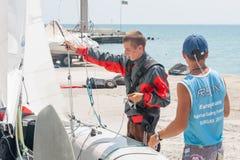 Preparação ir ao mar em Pomorie bulgária imagem de stock