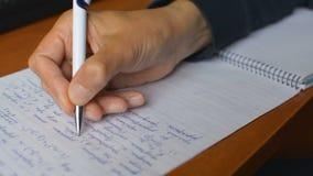 Preparação para o exame de estado unificado em Rússia que faz trabalhos de casa da álgebra da matemática do calclus video estoque