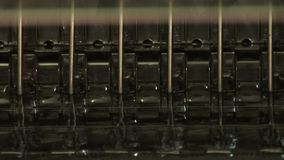 Preparação para tubos de ensaio de enchimento dos fármacos video estoque