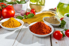 Preparação para um jantar italiano imagens de stock