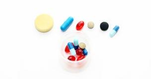 Preparações farmacológicas diferentes - tabuletas e comprimidos Fotografia de Stock