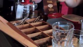 Preparación de Barista Cafe Making Coffee almacen de video