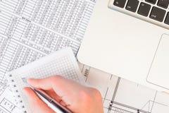 Preparación de estados financieros Imágenes de archivo libres de regalías