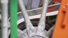Preparación de la cinta de goma para la producción del neumático almacen de video