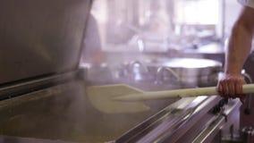 Preparación de la comida en el hospital III almacen de metraje de vídeo