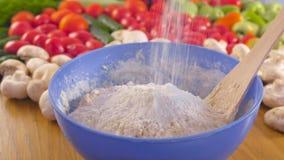 Preparación de la pasta de levadura En un cuenco de pasta añada la harina Opinión del primer metrajes