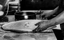 Preparación de la pizza Foto de archivo