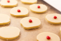 Preparación de la torta dulce para el horno Fotos de archivo libres de regalías