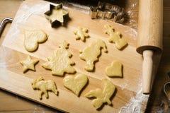 Preparación de las galletas de la Navidad Imagen de archivo libre de regalías