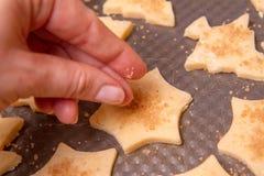 Preparación de las galletas de la Navidad Imagenes de archivo