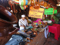 Preparación de las tortillas Imágenes de archivo libres de regalías