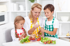 Preparación del alimento sano Foto de archivo libre de regalías