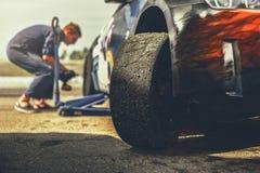 Preparación del coche deportivo para la raza de la deriva imagen de archivo libre de regalías