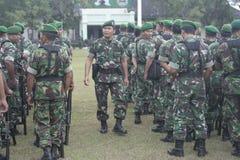 Preparación del ejército nacional indonesio en la ciudad de Java Security a solas, central Imagenes de archivo