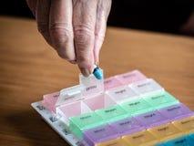 Preparación del medicamento de venta con receta en casa fotos de archivo libres de regalías