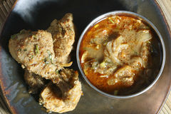 Preparación del pollo de Chettinad de la India Imágenes de archivo libres de regalías
