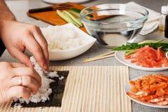 Rollos de sushi Fotos de archivo libres de regalías