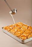 Preparación del turco y del baklava de los dulces de Irán Fotos de archivo libres de regalías