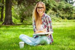 Preparación a los exámenes al aire libre. Fotos de archivo