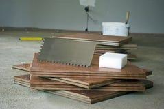 Preparación para el embaldosado imagen de archivo libre de regalías
