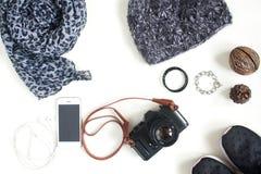Preparación para el viaje, vacaciones del viaje, mofa del turismo para arriba de la célula pH Fotos de archivo