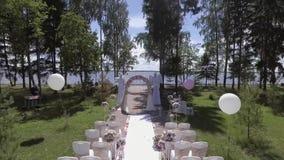 Preparación para la ceremonia de boda almacen de video