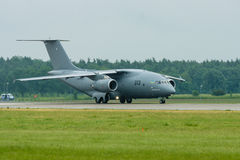 Preparación para los aviones Antonov An-178 del transporte de los militares del despegue Fotografía de archivo libre de regalías