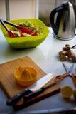 Preparación sucia de la ensalada Foto de archivo libre de regalías