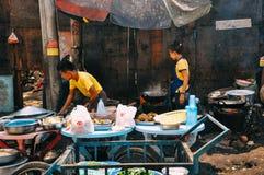 Preparaciones de comida de la calle Fotos de archivo libres de regalías