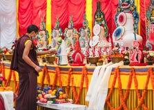 Preparaciones pasadas antes de la ceremonia tradicional con uso un tor Imagen de archivo libre de regalías