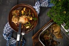Preparado para la carne del pollo que cuece con las verduras fotografía de archivo libre de regalías