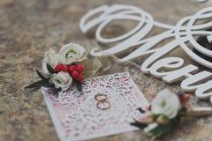 Preparado para la joyería y los accesorios del novio para casarse el cer Imagen de archivo